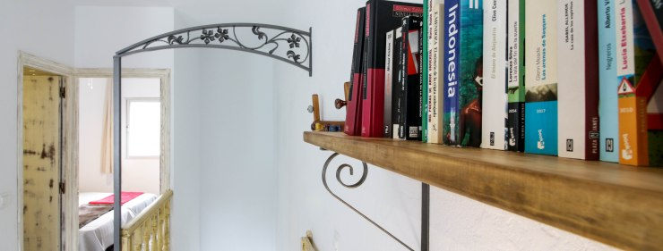 casa martijin casa recentar el molino del panadero casa rural jimera de libar ronda malaga spain salon libros