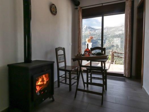 casa recentar chimenea en la habitacion casa martijin el molino del panadero casa rural jimera de libar malaga spain 1